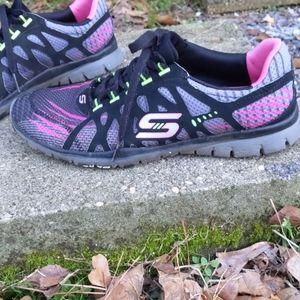 Skechers Gray Black & Pink Sneakers